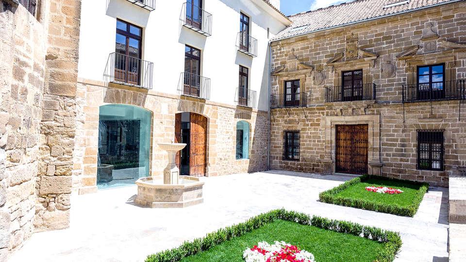 Hotel Palacio de Úbeda - Edit_Front2.jpg