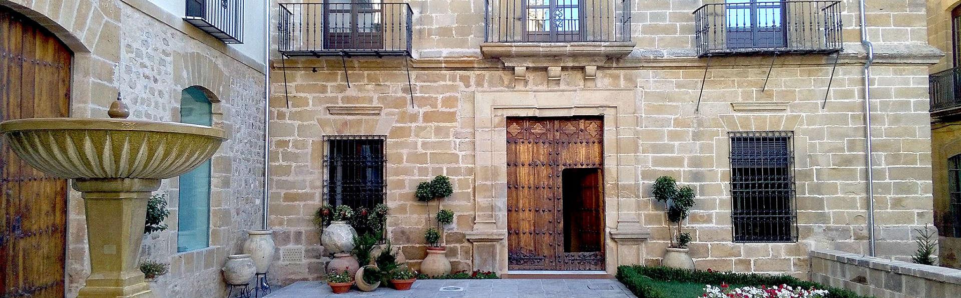 Hotel Palacio de Úbeda - Edit_Front3.jpg