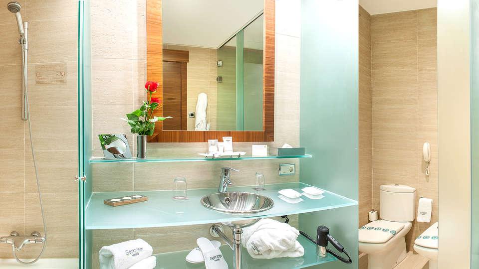 Sercotel Sorolla Palace - Edit_Bathroom.jpg