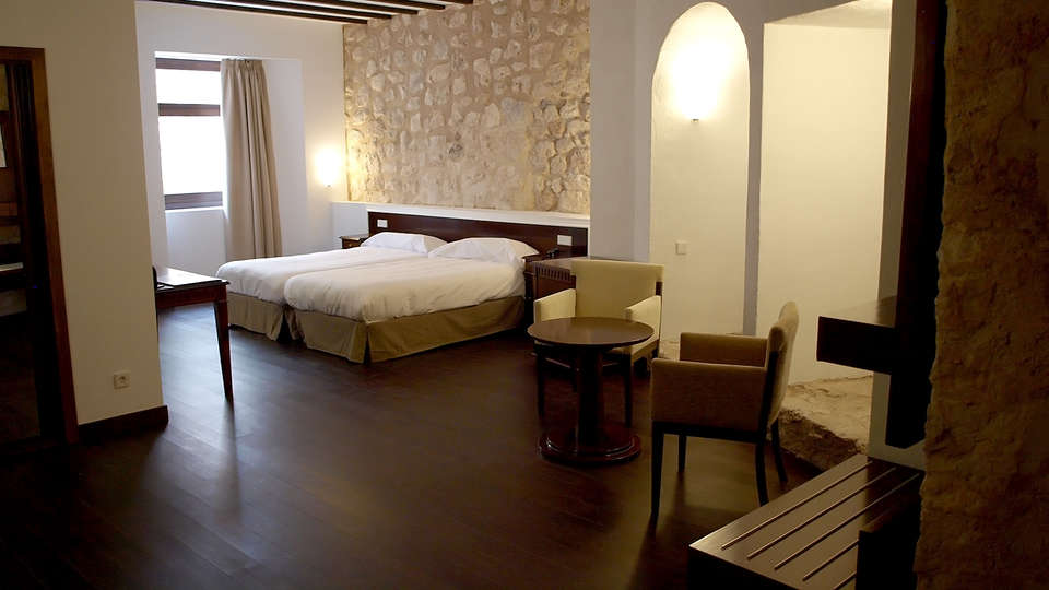 Palacio del Infante Don Juan Manuel Hotel Spa - EDIT_room5.jpg