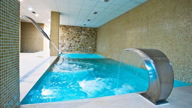 Spa Lovers: Acceso al spa con detalles románticos en la habitación y cocktail para dos