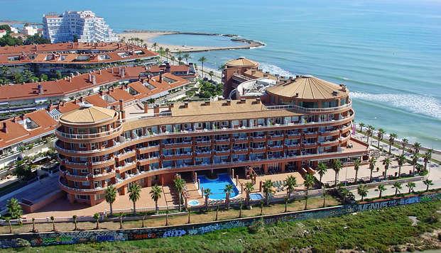 Vacaciones familiares con un niño incluido en Apartamento Superior y media pensión en Sitges