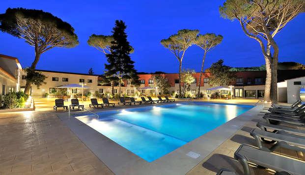 Salles hotel Aeroport Girona - pool