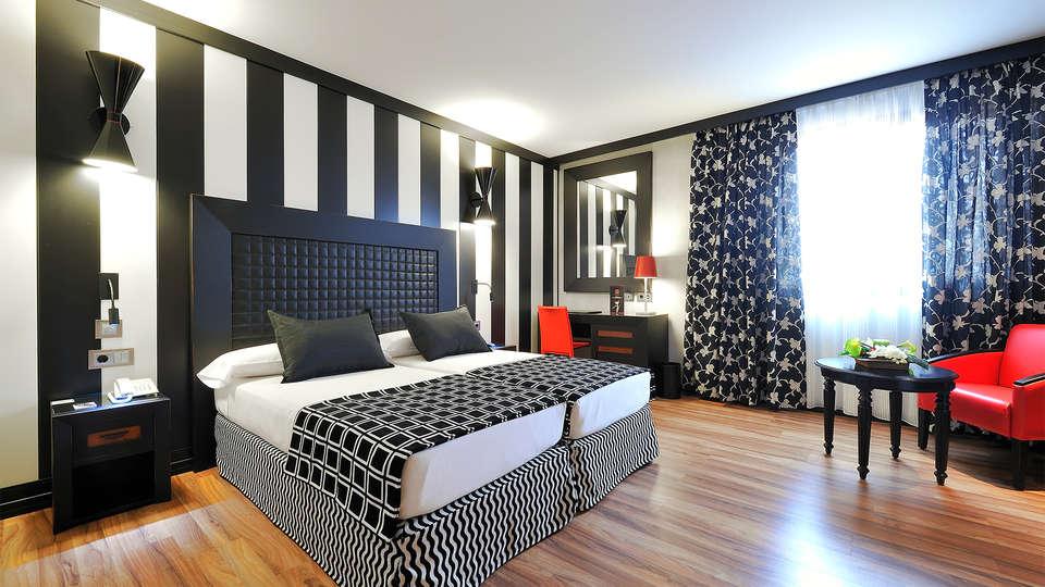 Sallés hotel Aeroport Girona - EDIT_room3.jpg