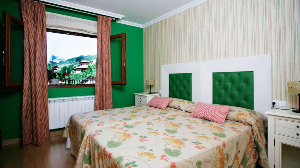 Posada El Corcal de Liébana - EDIT_room.jpg