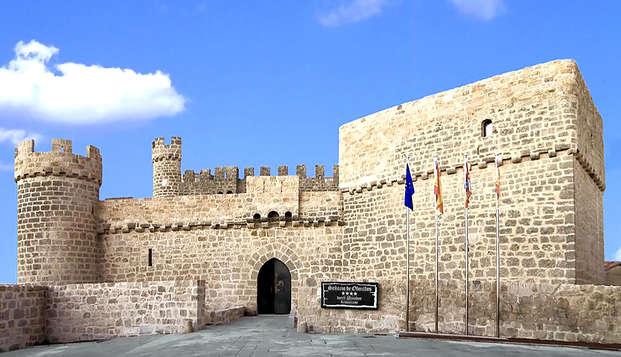 Escapada medieval: Duerme en un Castillo del S.XV con cena típica incluida (desde 2 noches)