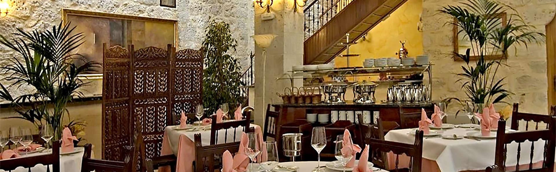 Gastronomie et magie à Burgos dans un château datant du XV siècle avec dîner, chocolat et cava