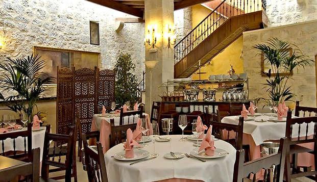 Gastronomía y encanto en un Castillo del S.XV con cena, bombones y cava