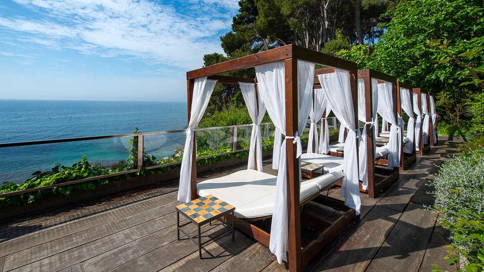 Sallés Hotel&Spa Cala del Pi - EDIT_balibed.jpg