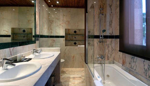 Salles Hotel Spa Cala del Pi - bath