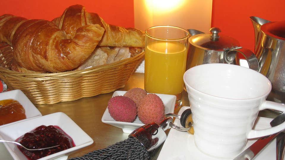 Brit Hôtel Le Marbella - Edit_Breakfast2.jpg