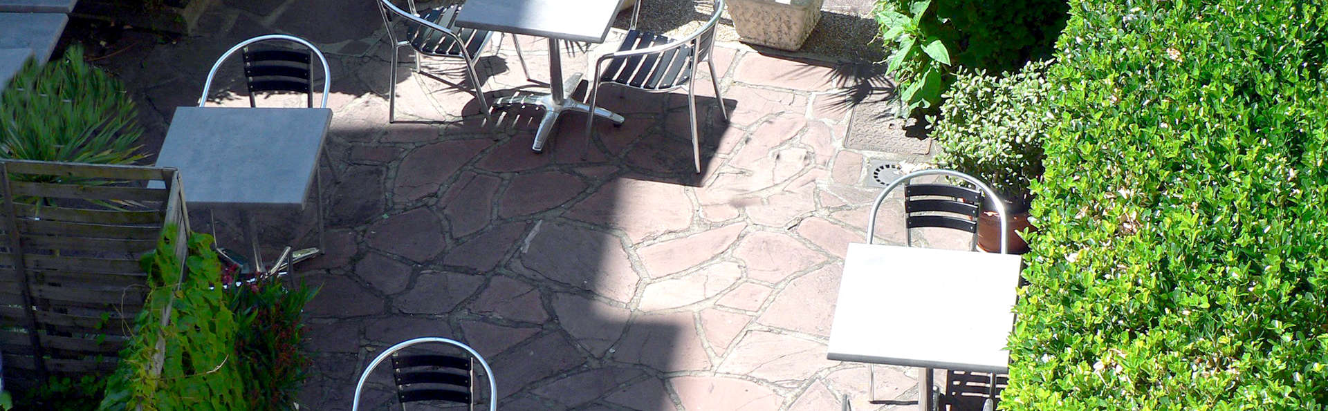 Brit Hôtel Le Marbella - Edit_Terrace.jpg