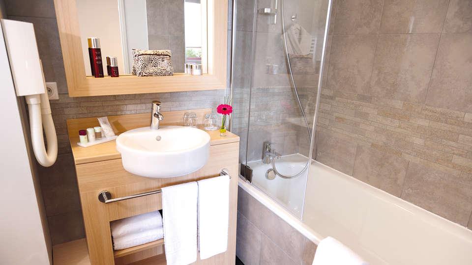 Appart' City Reims Parc des Expositions - Edit_Bathroom3.jpg