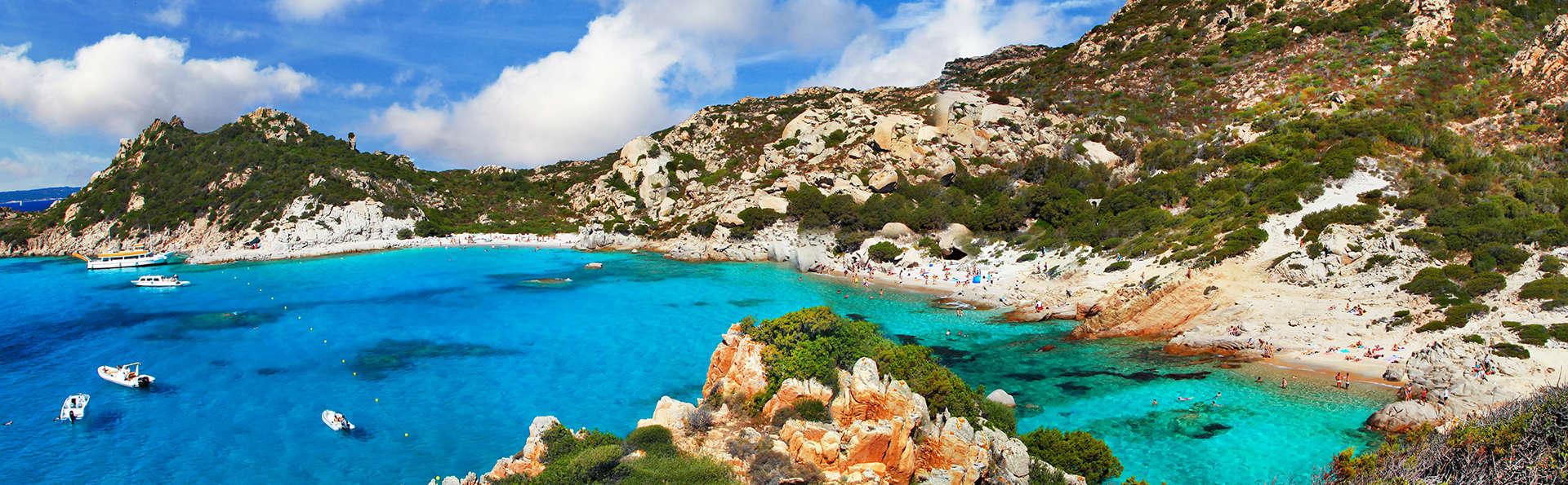 Profitez de la mer cristaline de la Sardaigne dans un appartement à La Maddalena