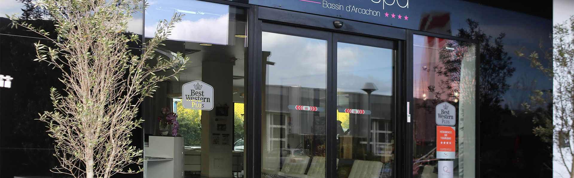 Best Western Plus - Design & Spa Bassin d'Arcachon - EDIT_entrance.jpg