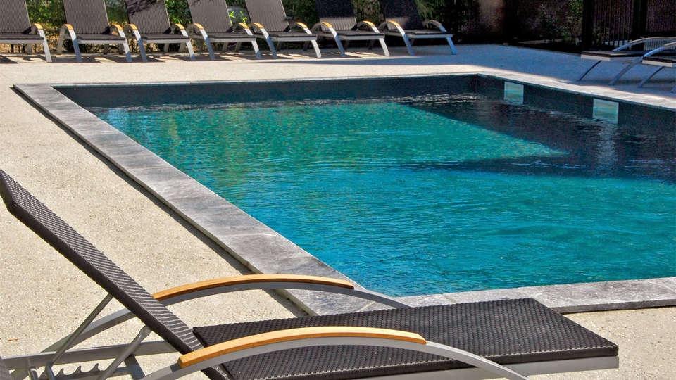 Best Western Plus - Design & Spa Bassin d'Arcachon - EDIT_pool2.jpg