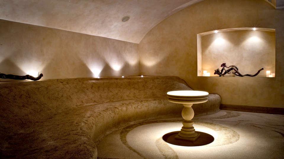 Hotel Château Monfort - Edit_Spa.jpg