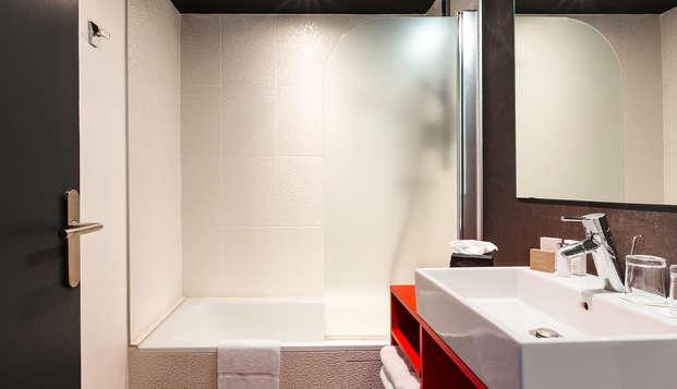 Best Western Plus Hotel Litteraire Alexandre Vialatte - bath