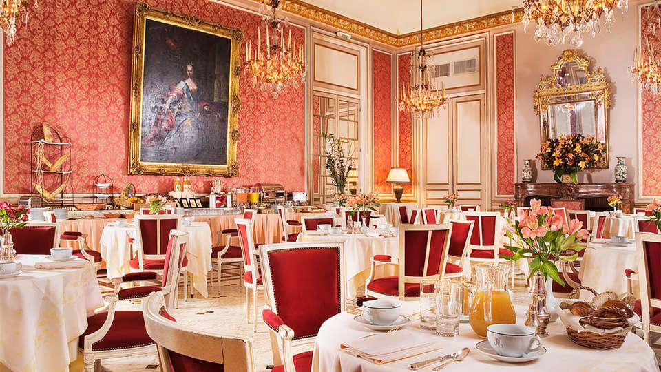 Château D'Artigny - EDIT_breakfast1.jpg