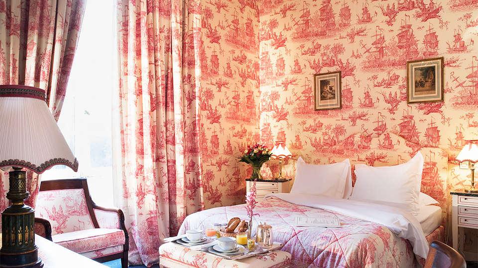 Château D'Artigny - EDIT_room1.jpg