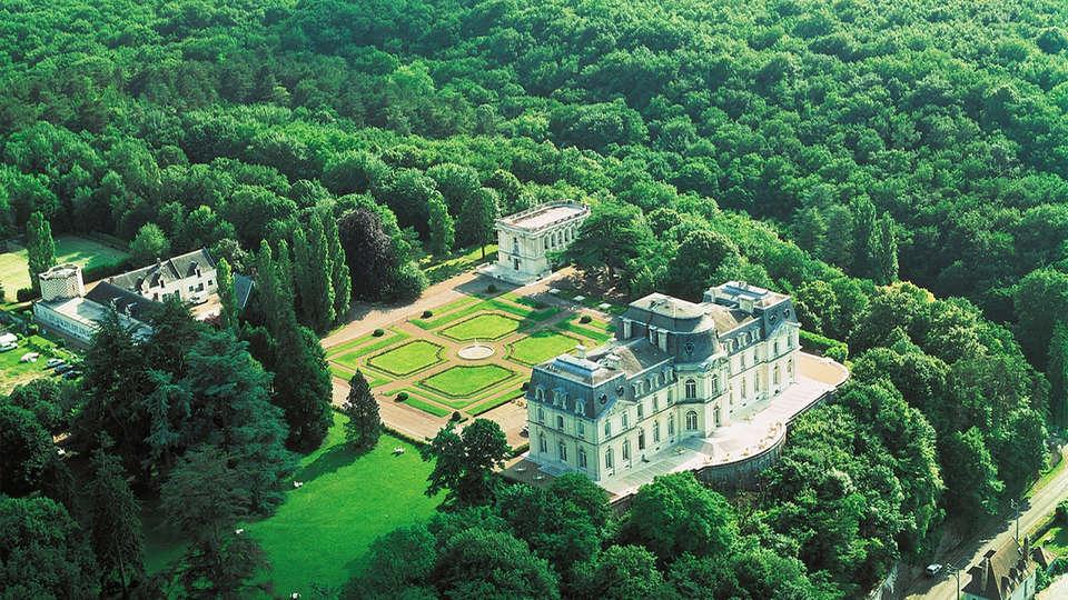 Château D'Artigny - EDIT_view.jpg