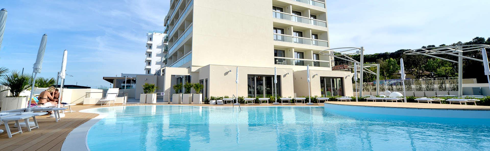 Nautilus Family Hotel - Edit_Pool2.jpg