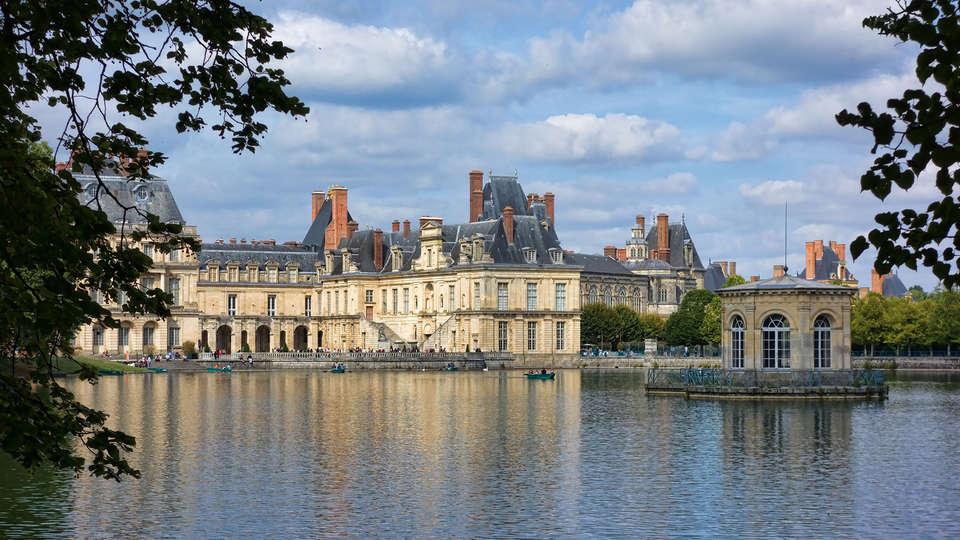 Château de Bourron - EDIT_front3.jpg