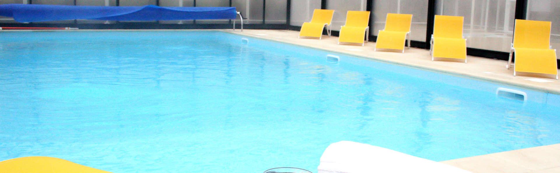 Vacancéole - Résidence Duguesclin - Edit_Pool.jpg