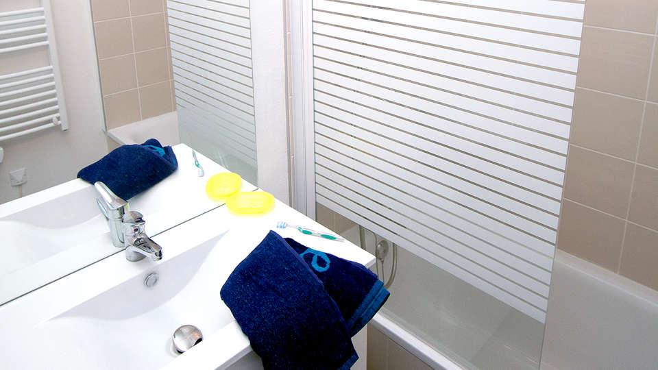 Vacanceole Domaine de la Corniche Deauville Sud - Edit_Bathroom.jpg