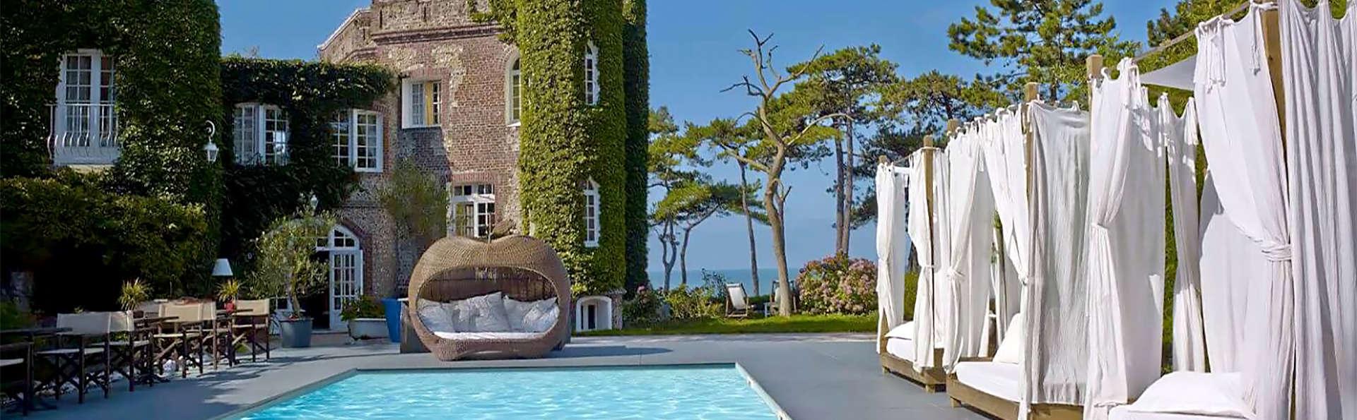 Domaine Saint Clair Le Donjon  - EDIT_pool1.jpg