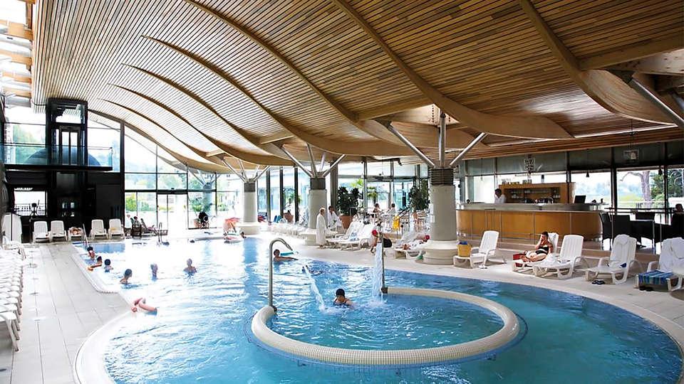 Grand Hôtel du Parc - EDIT_pool2.jpg
