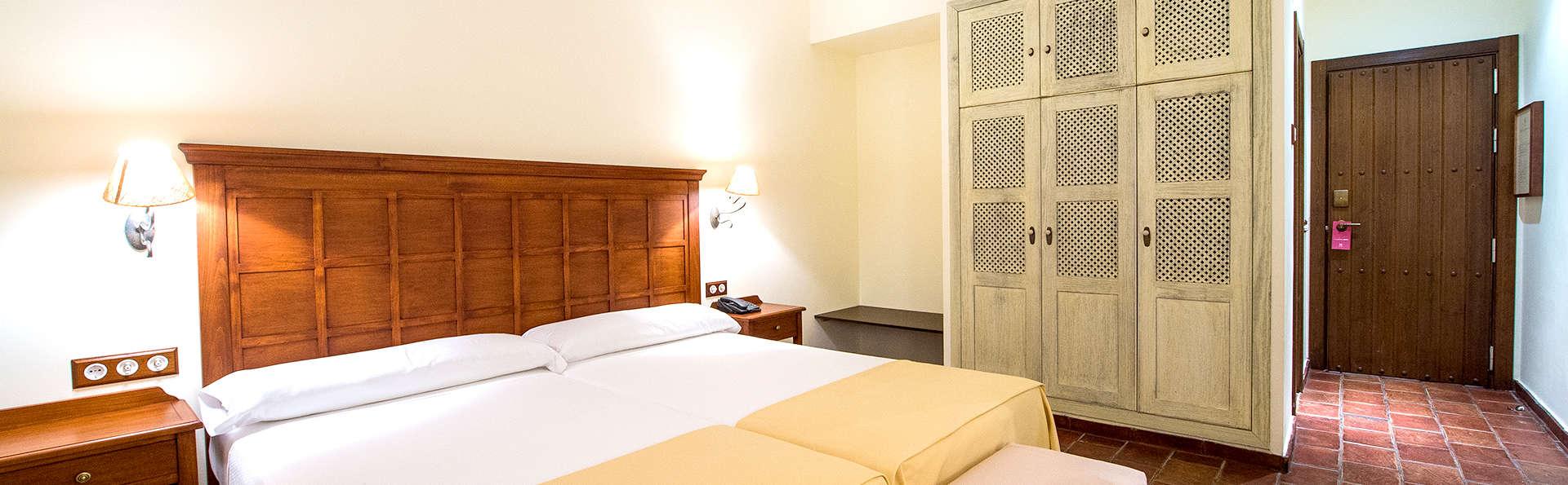 Hospedium Hotel Cortijo Santa Cruz - Edit_Room.jpg