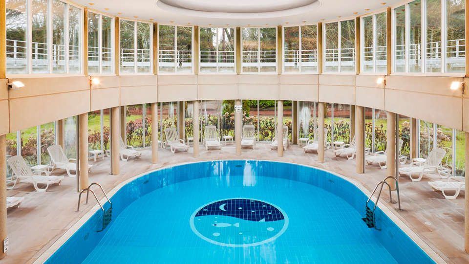Holiday Inn Resort Le Touquet - EDIT_pool.jpg