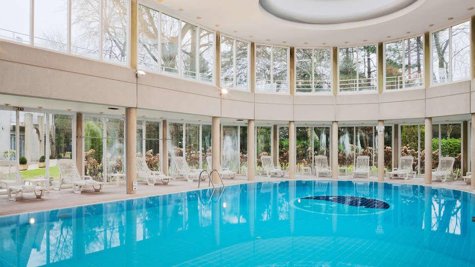 Holiday Inn Resort Le Touquet - EDIT_pool2.jpg