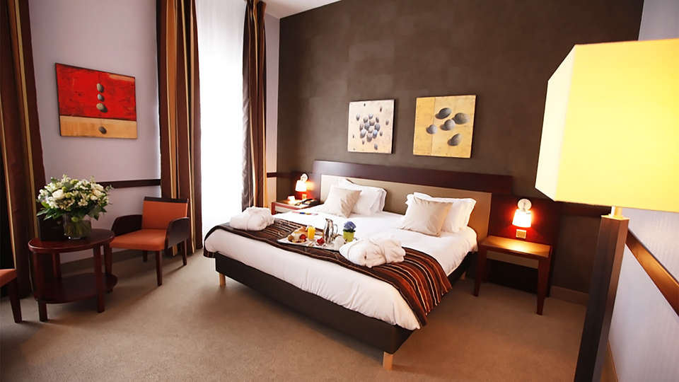 Hôtel Alliance Couvent des Minimes - EDIT_room1.jpg