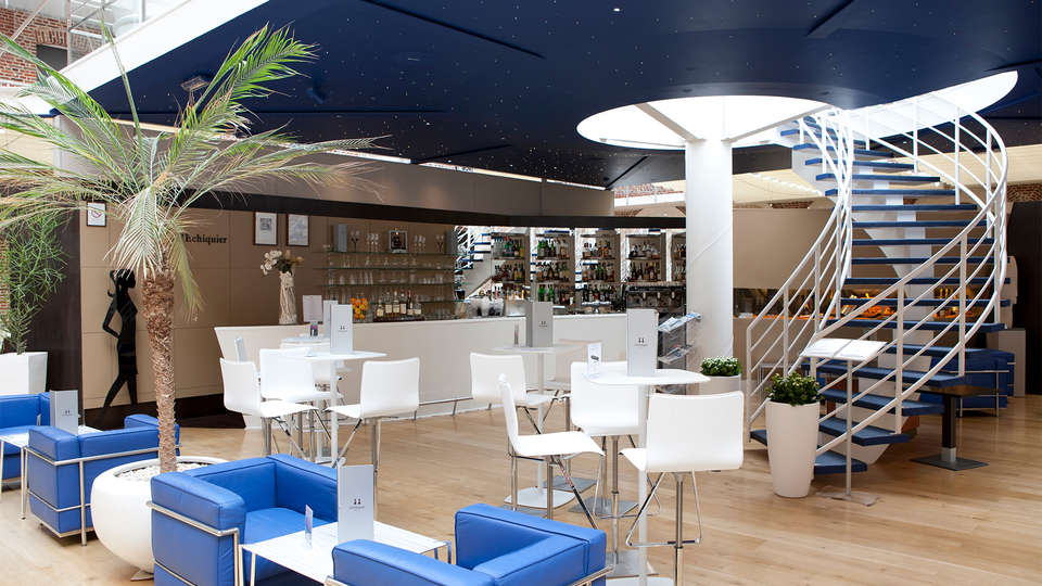 Hôtel Alliance Couvent des Minimes - EDIT_bar3.jpg