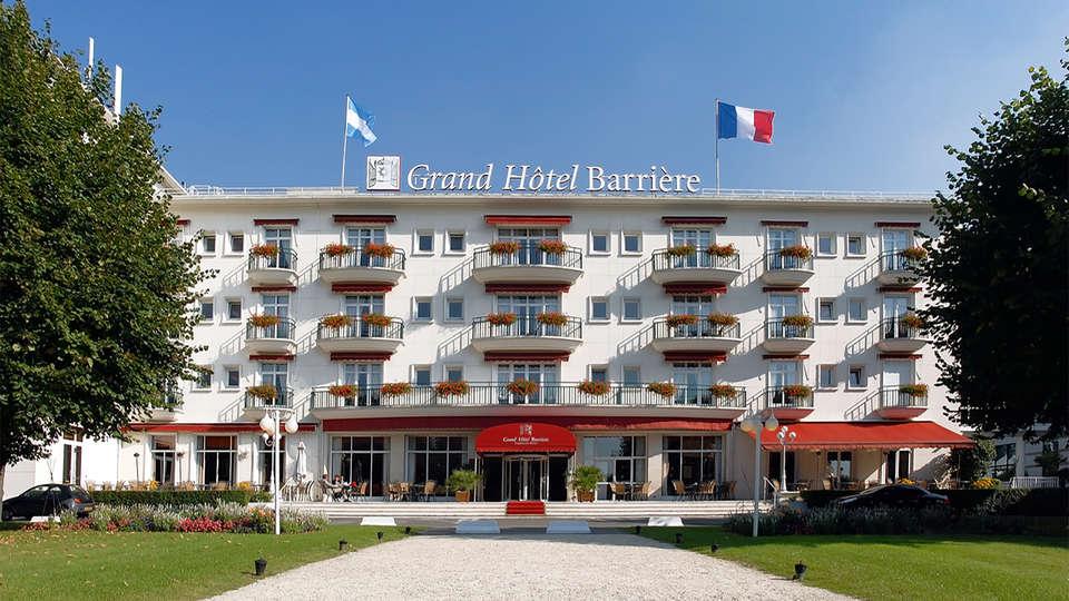 Hôtel Barrière Le Grand Hôtel - EDIT_facade.jpg