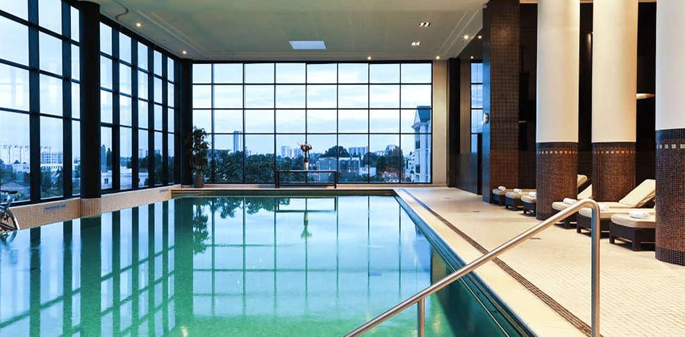 H tel barri re le grand h tel 4 enghien les bains francia for Grand hotel de paris madrid