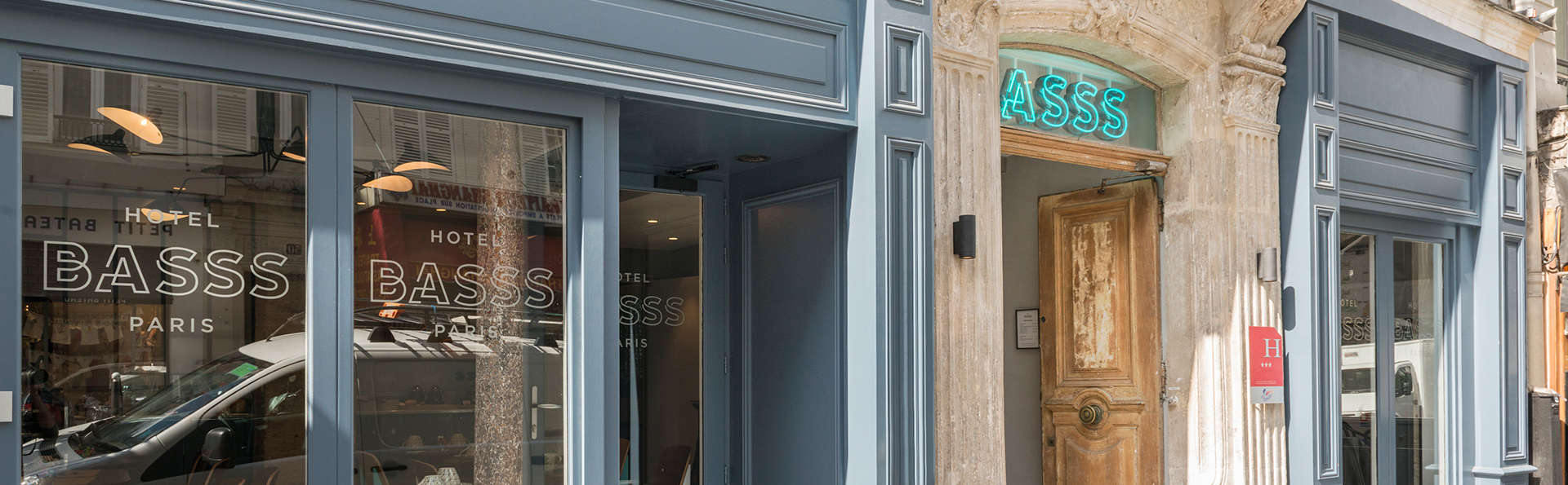 Hotel Basss - Montmartre - EDIT_front.jpg