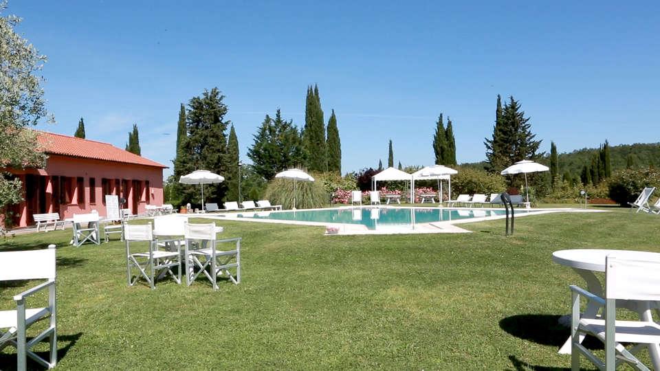 Relais Santa Genoveffa - Edit_Pool2.jpg