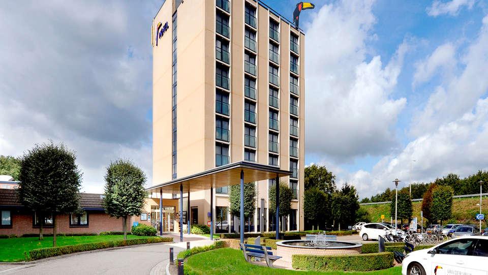 Van der Valk Hotel Venlo - Edit_Front.jpg