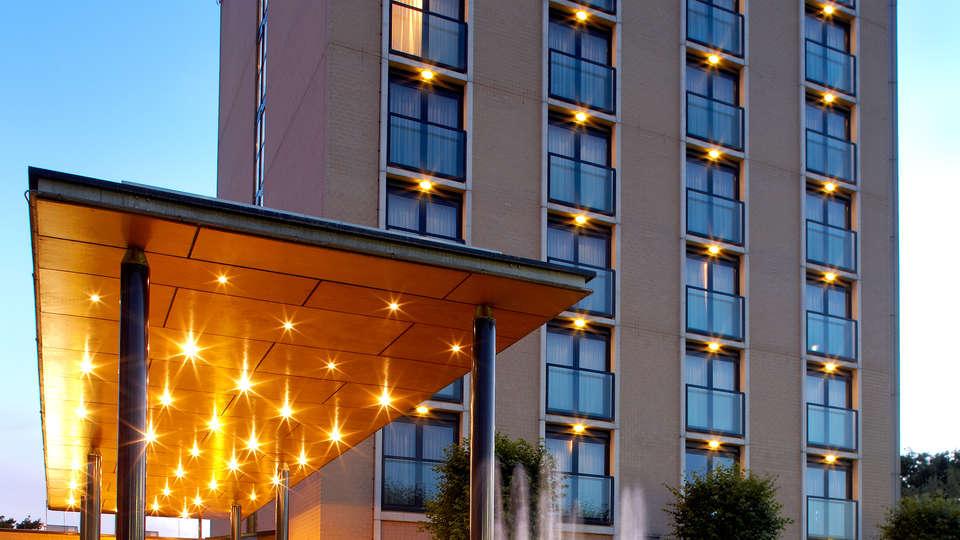 Van der Valk Hotel Venlo - Edit_Front2.jpg