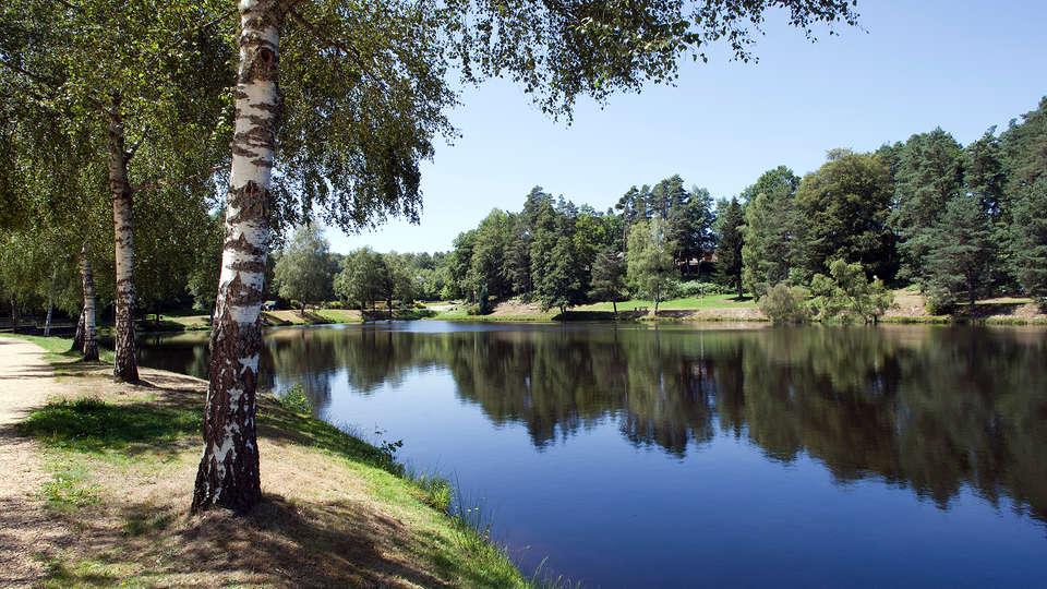 Vacancéole - Résidence Domaine du Bosquet - Edit_Lake.jpg