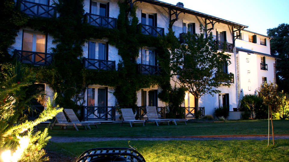Hôtel Saint-Paul - Edit_Front3.jpg