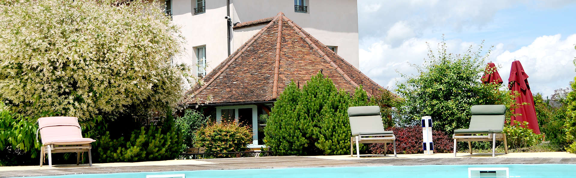 Hostellerie de la Tour d'Auxois  - Edit_Pool4.jpg