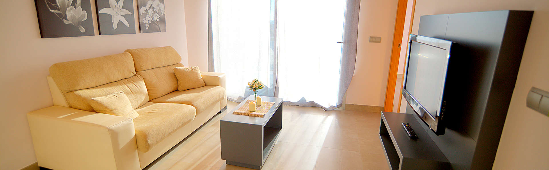 Apartamentos Bravosol - Edit_Apartment5.jpg