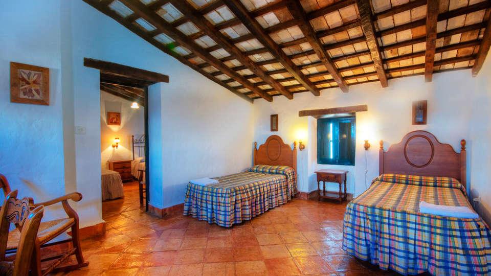 Complejo Rural Castillo Castellar - EDIT_NEW_room.jpg