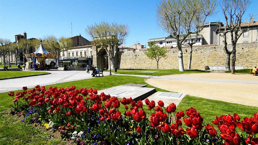 H 244 Tel Du Soleil Le Terminus 4 Carcassonne France