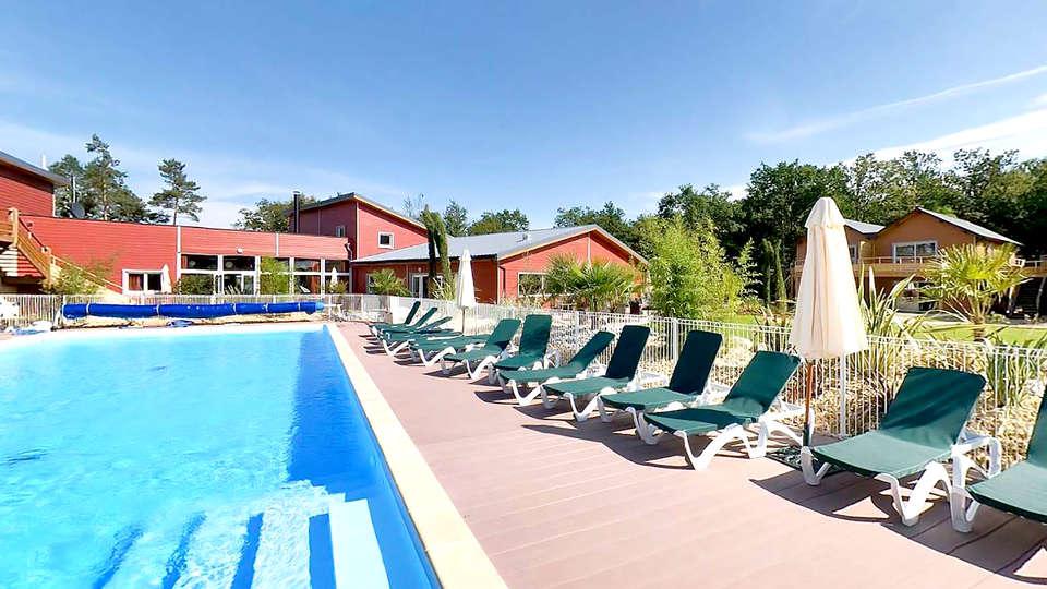 Vacancéole Le Relais du Plessis - Edit_Pool2.jpg