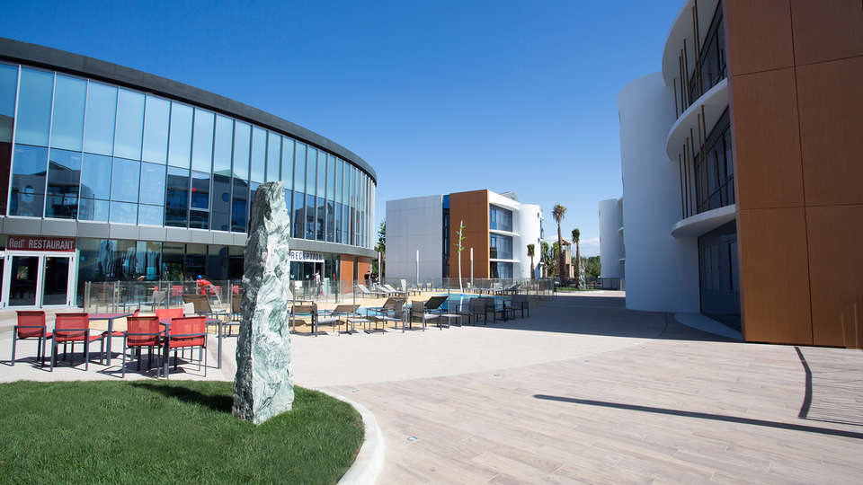 Marineland Resort - EDIT_exteriorfront2.jpg